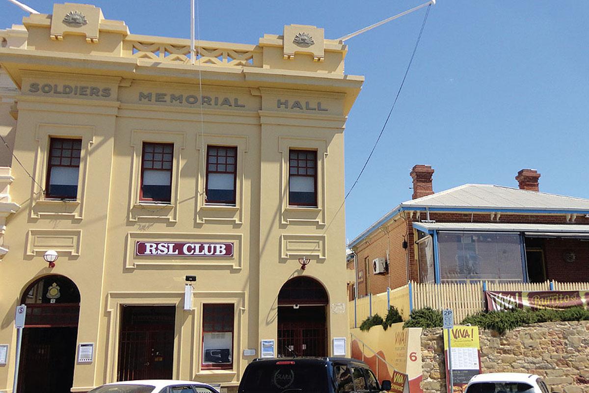 Semaphore Pt Adelaide RSL